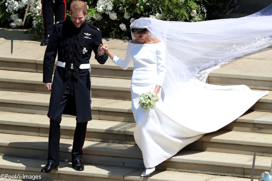 96ada8fa7160 A Wedding in Windsor – Meghan   Harry s Special Day – What Meghan Wore