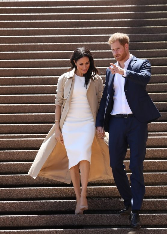 c9b985c627e41 Meghan in Local Label & Diana's Jewelry for First Australia Engagements